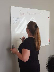 Teilnehmerin am Whiteboard
